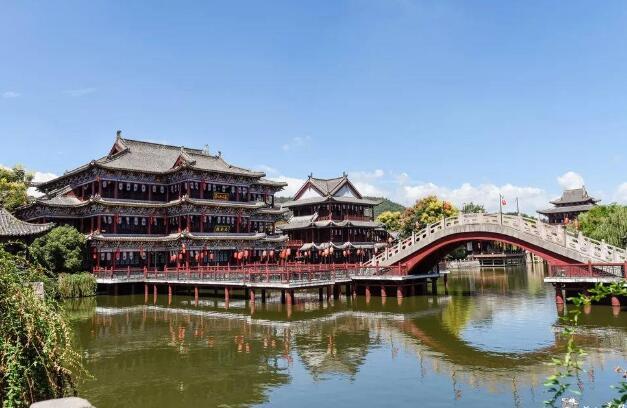 横店影视城里面的旅游景点哪个最好玩?