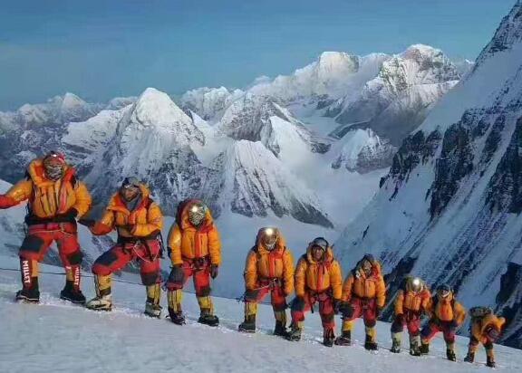 珠穆朗玛峰海拔多少米 去的话会有高原反应吗?